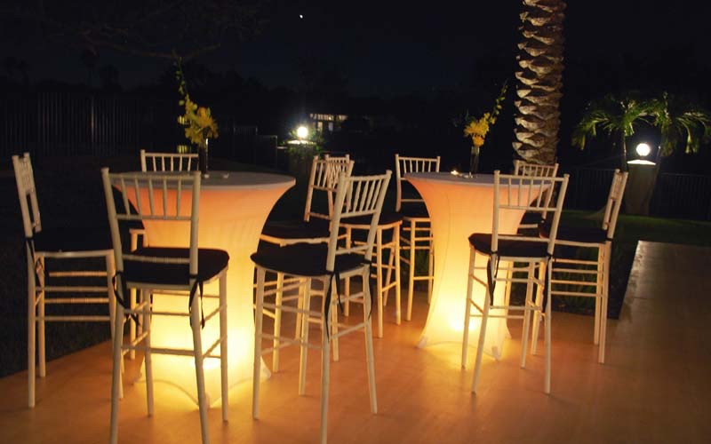CTC001_Cocktail_tables_with_white_spandex_and_Led_light